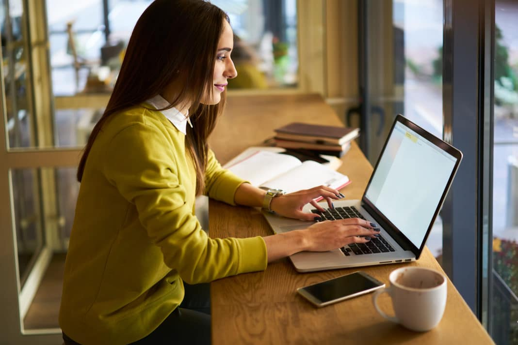Advantages and Disadvantages of Being a Freelancer